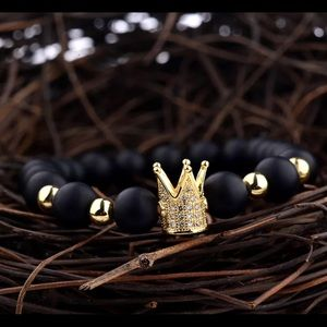 King and guest crown bead bracelet
